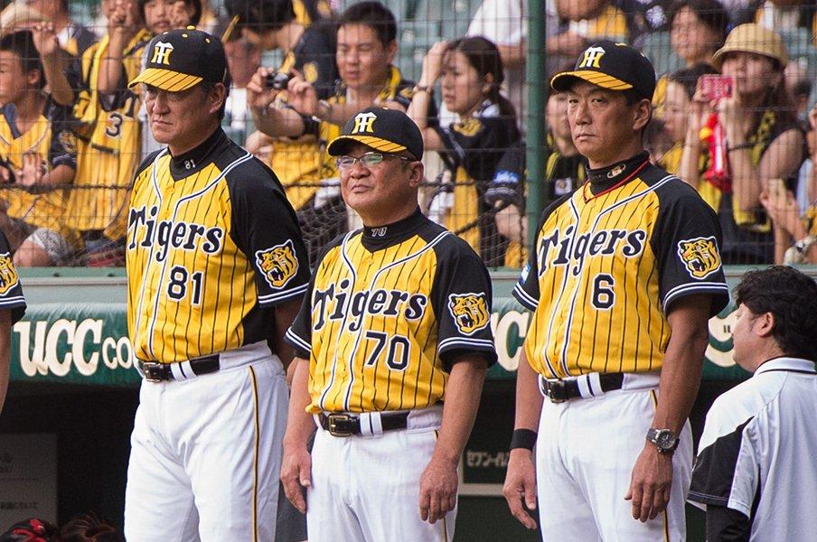 金本監督は恩師に「よう似とる」。高代コーチが思い出す、ある逸話。<Number Web> photograph by Nanae Suzuki