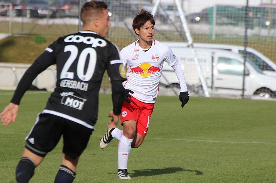直談判でFW出場、そして2ゴール。南野拓実は全てを自力で掴み取る。<Number Web> photograph by Takahito Ando