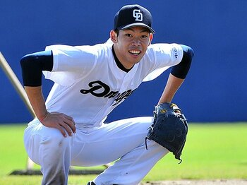 沖縄出身の野球選手は大成しない!?中日・又吉克樹はジンクスを破るか。<Number Web> photograph by NIKKAN SPORTS