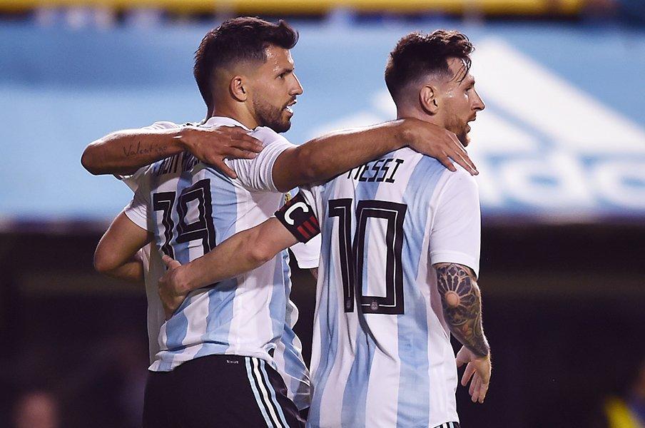 メッシに脅迫で試合中止、主力離脱。アルゼンチンは混乱を越えてW杯へ。<Number Web> photograph by Getty Images
