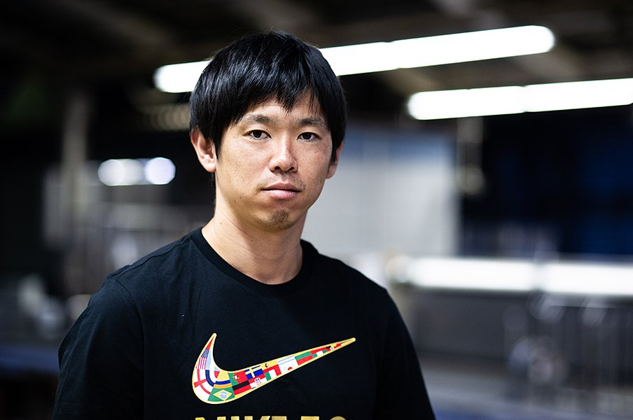 塩谷司はUAEで代表復帰に燃える。「意志が強いとは思わない。でも」<Number Web> photograph by Yuki Suenaga