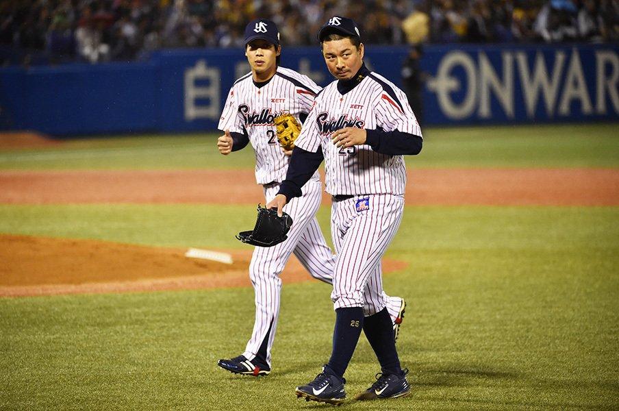 四球の意味が違ったSBとヤクルト。なぜ攝津、館山の投球に差が出た?<Number Web> photograph by Hideki Sugiyama