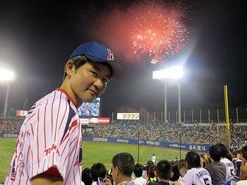 """美術家・ながさわたかひろの""""プロ野球""""人生最後の聖戦。<Number Web> photograph by Hidenobu Murase"""