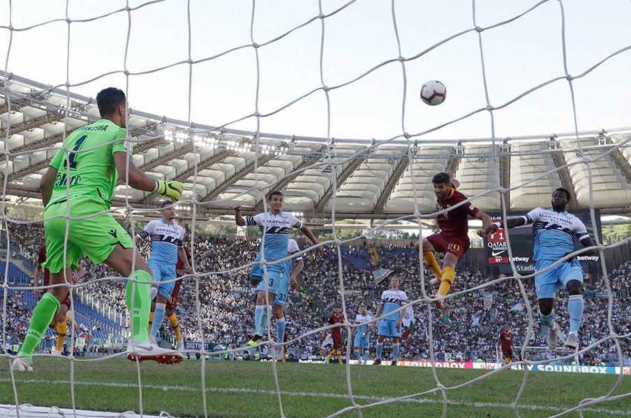 ローマ新スタジアム建築計画で汚職。2000年超の魔都ゆえの厄介さとは。<Number Web> photograph by AFLO