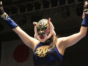 「はっきり言って、初代タイガーマスクのクローン」 《タイガー・クイーン》衝撃デビューに佐山聡も「思った以上の合格点」