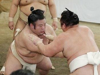 白鵬が貴景勝に出した注文を考える。突き押し相撲は安定感が無いのか。<Number Web> photograph by Kyodo News