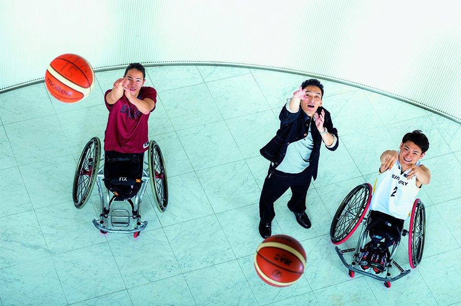 """新しい地図・草なぎ剛×車いすバスケ。「""""一心""""でメダルを獲りに行く」<Number Web> photograph by Takuya Sugiyama"""