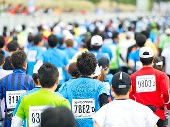 <手続き完了までに6時間!?> 過熱するエントリー合戦を考える。<Number Web> photograph by Nanae Suzuki