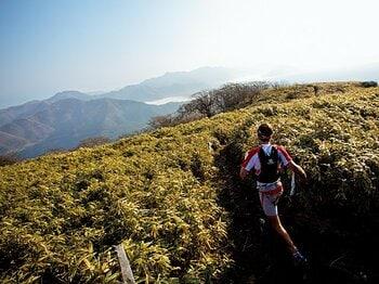 <トレイルランナー連続インタビュー> 山を走ることが人生について教えてくれたこと。<Number Web> photograph by Sho Fujimaki