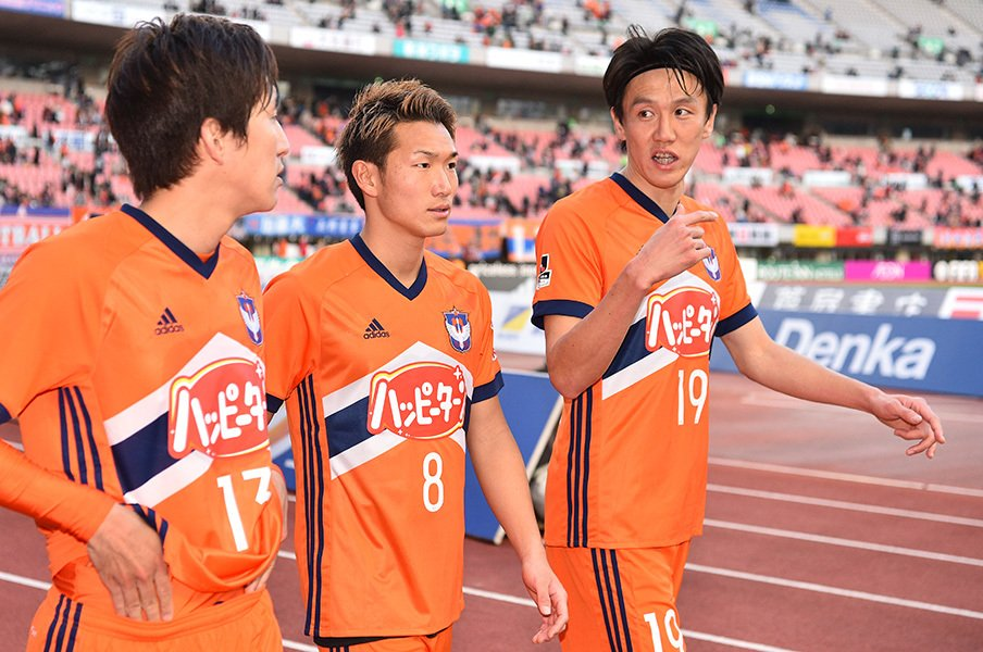 """DFW""矢野貴章、今や本当のDF。レオ・シルバ後の新潟で影の番長に。<Number Web> photograph by J.LEAGUE PHOTOS"