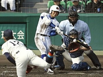 """なぜこの選手が育成だったのか……。巨人・山下航汰が近々""""来る""""気配。<Number Web> photograph by Kyodo News"""