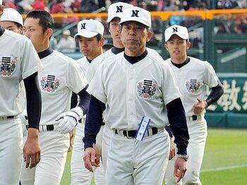 センバツの主役は勝者だけにあらず。準優勝の小倉監督は隠れた名将。<Number Web> photograph by NIKKAN SPORTS