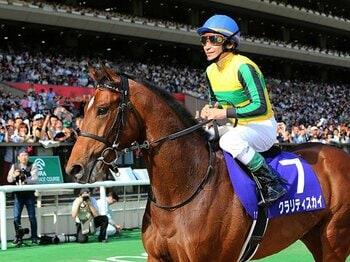 """""""敗因""""を抱えながらレースに勝つ。横山典弘が変える、「競馬の常識」。<Number Web> photograph by Yuji Takahashi"""