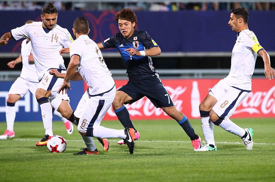 韓国で浴びた、名誉のブーイング。U-20日本とイタリアの価値ある40分。<Number Web> photograph by AFLO