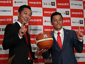 プロ野球の「1億円」は10人に1人。バスケは富樫だけ、Jリーガーは?
