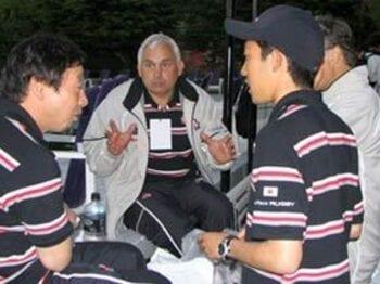 ジャパン初の外国人指揮官。その手腕への不安と期待。<Number Web> photograph by Nobuhiko Otomo