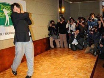 プロになったハニカミ王子。 石川遼<Number Web> photograph by Shigeru Tanaka