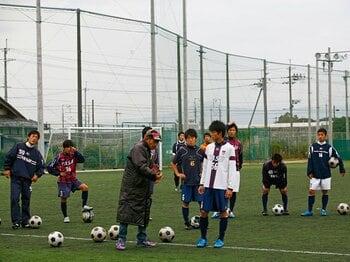 """野洲サッカーを育てた異端の指導者、岩谷篤人が挑む""""最後の選手権""""。<Number Web> photograph by Shinya Kizaki"""