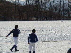 """「エースは中2の女の子」北海道、過疎の町の野球チームから""""初の甲子園選手""""が出るか"""