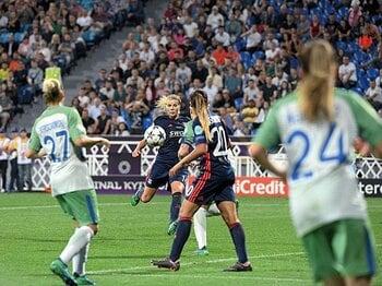 女子サッカープロリーグは発展中。米国、欧米の二極化も実は低年俸。<Number Web> photograph by Franck Faugere