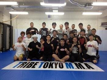 格闘技なんて「怖くない、痛くない」。ジムで体感できる一流選手の必殺技。<Number Web> photograph by Norihiro Hashimoto