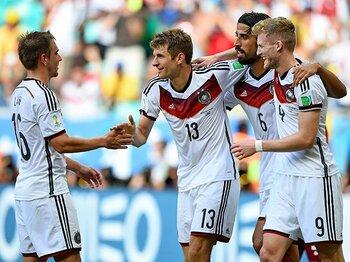 """「信じられないくらいコンパクト」前半で勝負を決めたドイツの""""満足""""。<Number Web> photograph by Getty Images"""