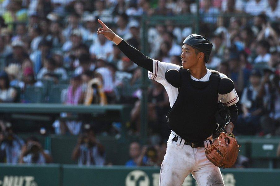 広陵・中村奨成の本質は守備にある。配球からまめさまで、肩以外も凄い。<Number Web> photograph by Hideki Sugiyama