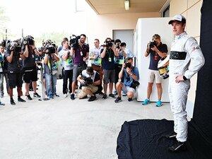 欠場のアロンソが献身的なサポート。F1デビュードライバー入賞の裏側。