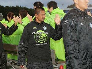 坪井慶介は燃え尽き方を知らない。湘南から山口、38歳は今日も走る。