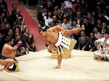 命を削って戦い抜く――太く短く生きる大横綱たち。~大鵬、北の湖、千代の富士は何を背負っていたのか~<Number Web> photograph by Naoya Sanuki