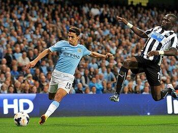 マンCにペジェグリーニ色が浸透中。プレミア奪還の鍵は、4人の新戦力。<Number Web> photograph by Manchester City via AP/AFLO
