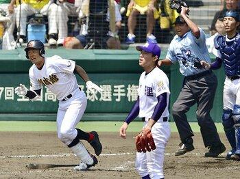 強豪校が初出場校に次々敗れ――。甲子園の新たなる時代を感じた時。<Number Web> photograph by Kyodo News