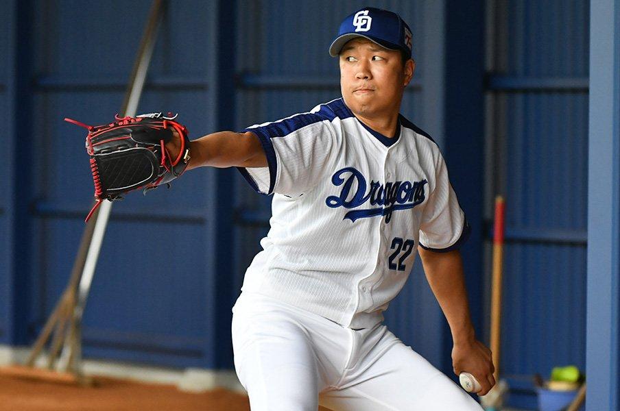 新球種は投手にとって諸刃の剣だ。DeNA今永&山崎、中日大野らの明暗。<Number Web> photograph by Hiroaki Yamaguchi