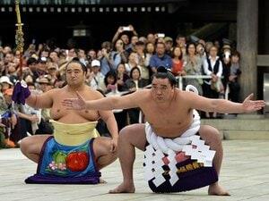 日馬富士の横綱昇進で白鵬はふたたび輝くか。~綱を張って5年、心機一転の時~