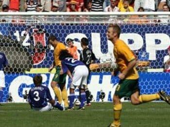 「走るサッカー」という言葉に走る前に!<Number Web> photograph by Kaoru Watanabe/JMPA