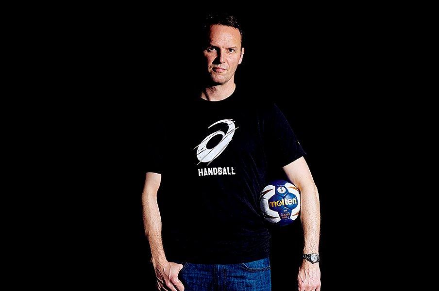ハンドボール代表に世界一の監督が。シグルドソンという男の履歴書。<Number Web> photograph by Cedric Diradourian