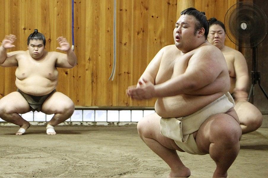 大関の「クンロク」は本当にダメか。やけに巨大な責任を負う損な地位。<Number Web> photograph by Kyodo News