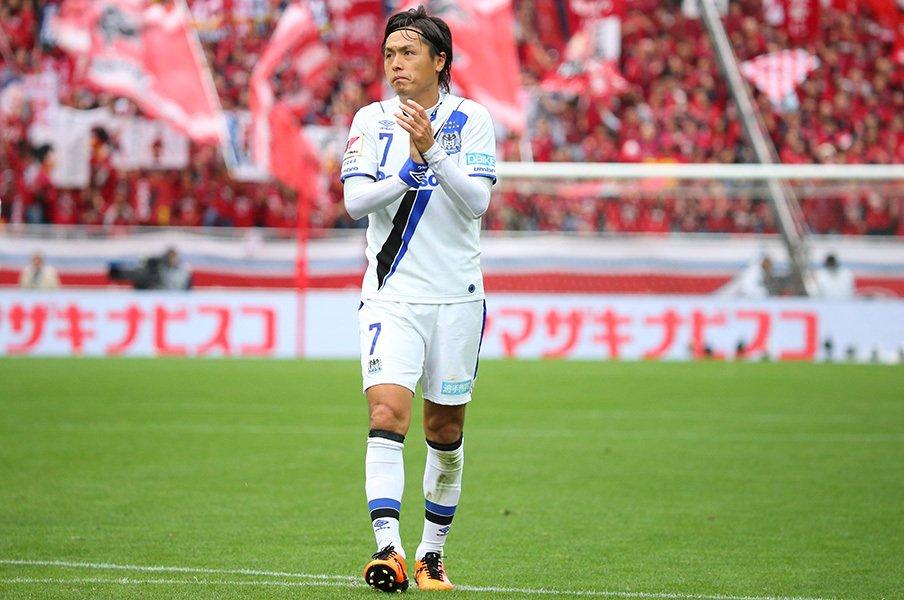 ガンバ大阪、残る2冠を得るために。遠藤「残り試合全部勝ちますよ」<Number Web> photograph by J.LEAGUE PHOTOS