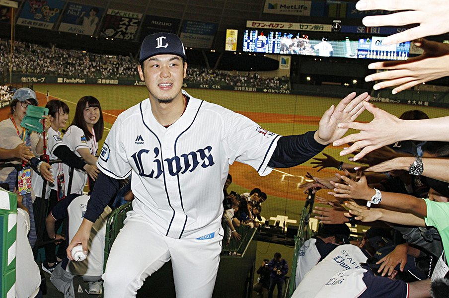 高橋光成が初めて首を振った瞬間。「器用な投手」の枠を踏み越える。<Number Web> photograph by Kyodo News