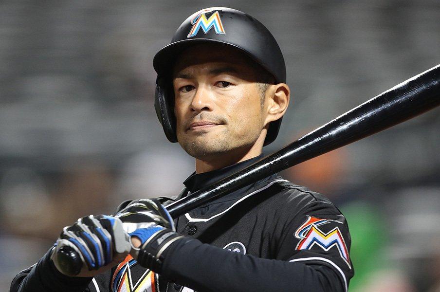 「それでもバカには野球は向かない」3割守るイチローが語った孤高の矜持。<Number Web> photograph by Tim Clayton/Corbis via Getty Images