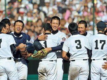 <夏の甲子園 記憶に残る名勝負>'09年決勝 日本文理、猛追の裏で。<Number Web> photograph by Hideki Sugiyama