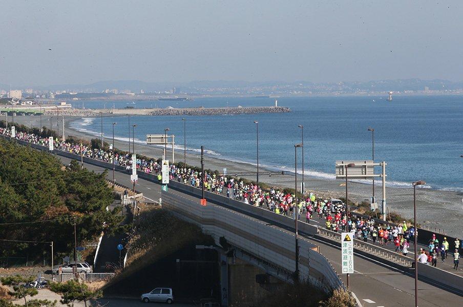 それでも、やっぱりフルマラソン。僕らが湘南国際マラソンに出る理由。<Number Web> photograph by SHONAN INTERNATIONAL MARATHON