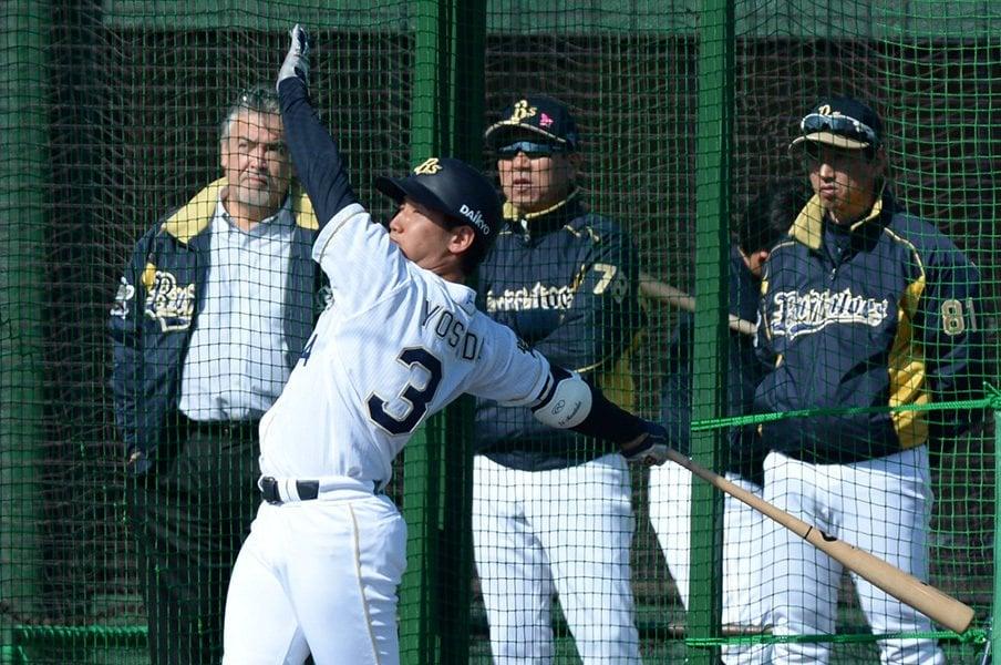 吉田正尚のあまりにも豪快なスイング。173cmと小柄ながら大学日本代表の4番に座った実力は本物だ。