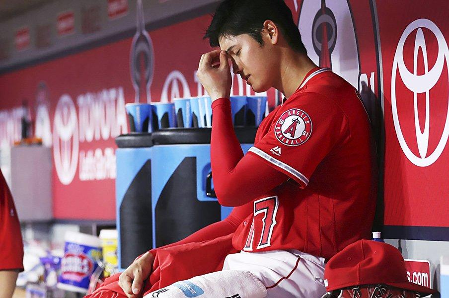"""肘靭帯損傷でDL入りした大谷翔平。2月から指摘されていた""""兆候""""とは。<Number Web> photograph by Kyodo News"""