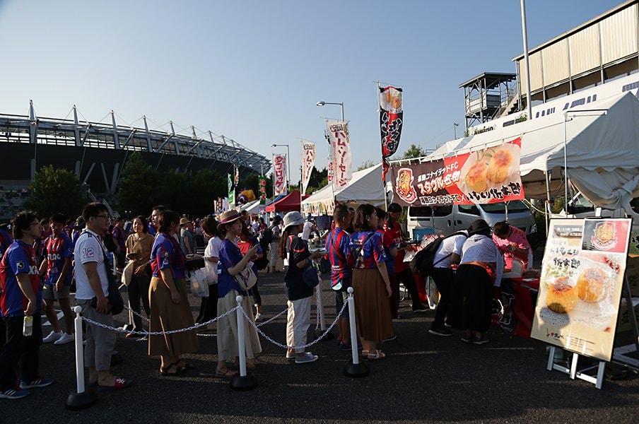 首位&久保効果だけじゃない!なぜFC東京の観客数は急増した?<Number Web> photograph by J.LEAGUE