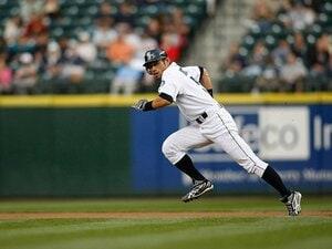 イチローは盗塁記録もやっぱり別格。伝説に残る強肩捕手との一騎打ち。
