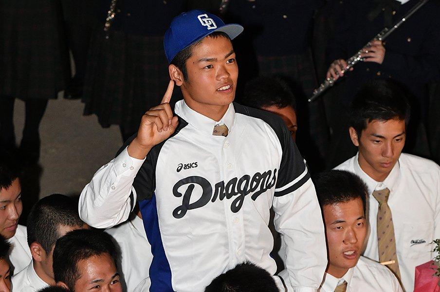根尾昂にトーチュウが狂喜乱舞し、金本監督辞任にデイリーは激怒した。<Number Web> photograph by Hideki Sugiyama