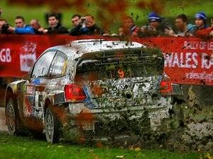 <2013WRC最終戦ウェールズラリー紀行> 森の中の一瞬を愉しむために人々は年に一度やってくる。