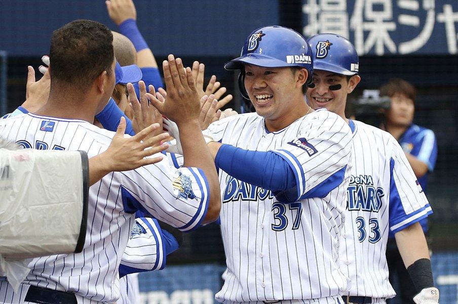 "DeNA楠本泰史「まずは打たないと」。背番号""7""が似合う選手になれるか。<Number Web> photograph by Kyodo News"