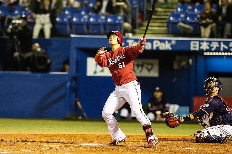 鈴木誠也は日本一の選手になれる。前田智徳とも通ずる深い求道精神。<Number Web> photograph by Kiichi Matsumoto